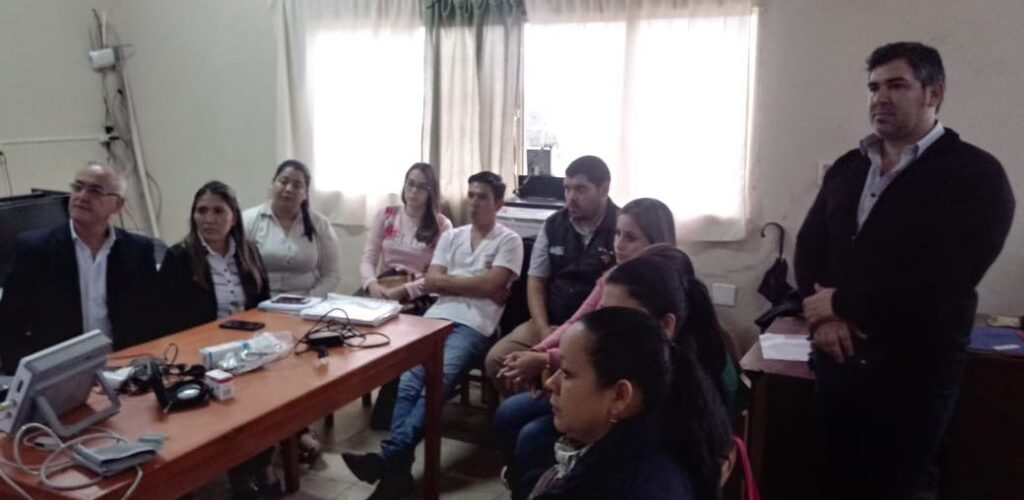 demonstration IDIS2GO devices to doctors in Paraguay